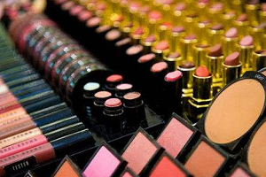 淘宝化妆品进货渠道怎么找?淘宝化妆品一件代发货源怎么找?