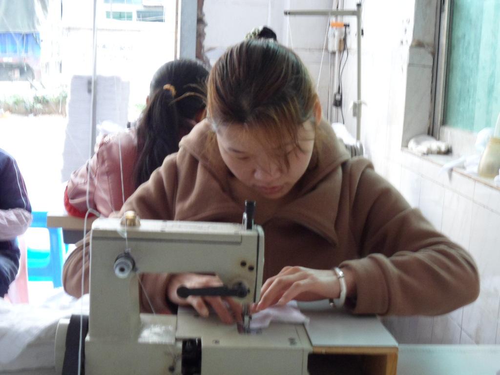开电子加工厂要多少钱?介绍几个农村小型加工厂项目