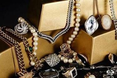 天猫双11奢侈品迎来五巨头大战 新品齐发超10万